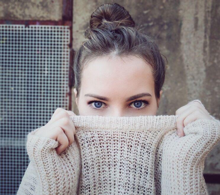 Woman, Knitwear, Eyes, Face, Head, Hairstyle, Brunette Woman Knitwear Eyes Face Head Hairstyle Brunette